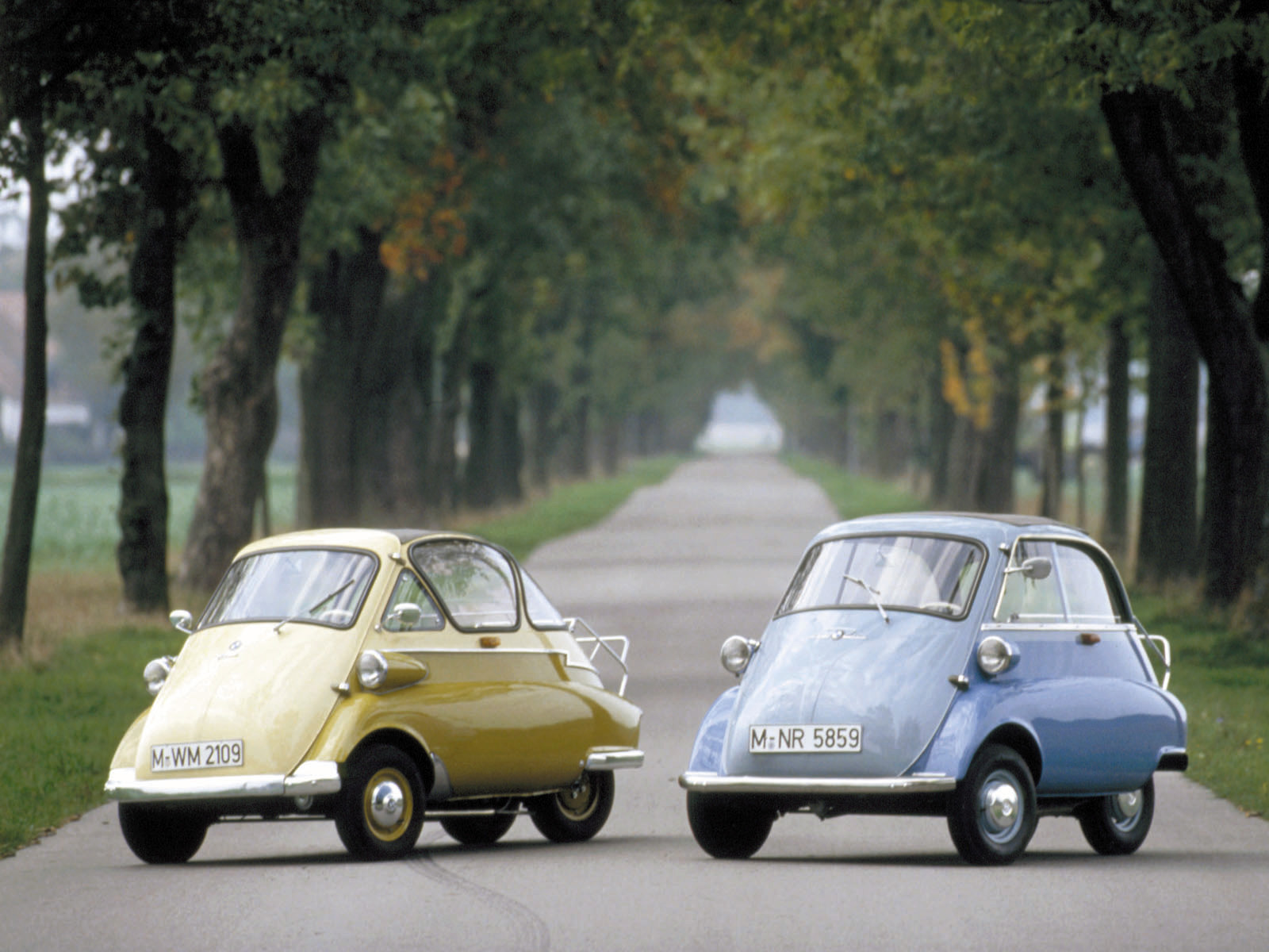 BMW-Isetta_mp2_pic_43752.jpg