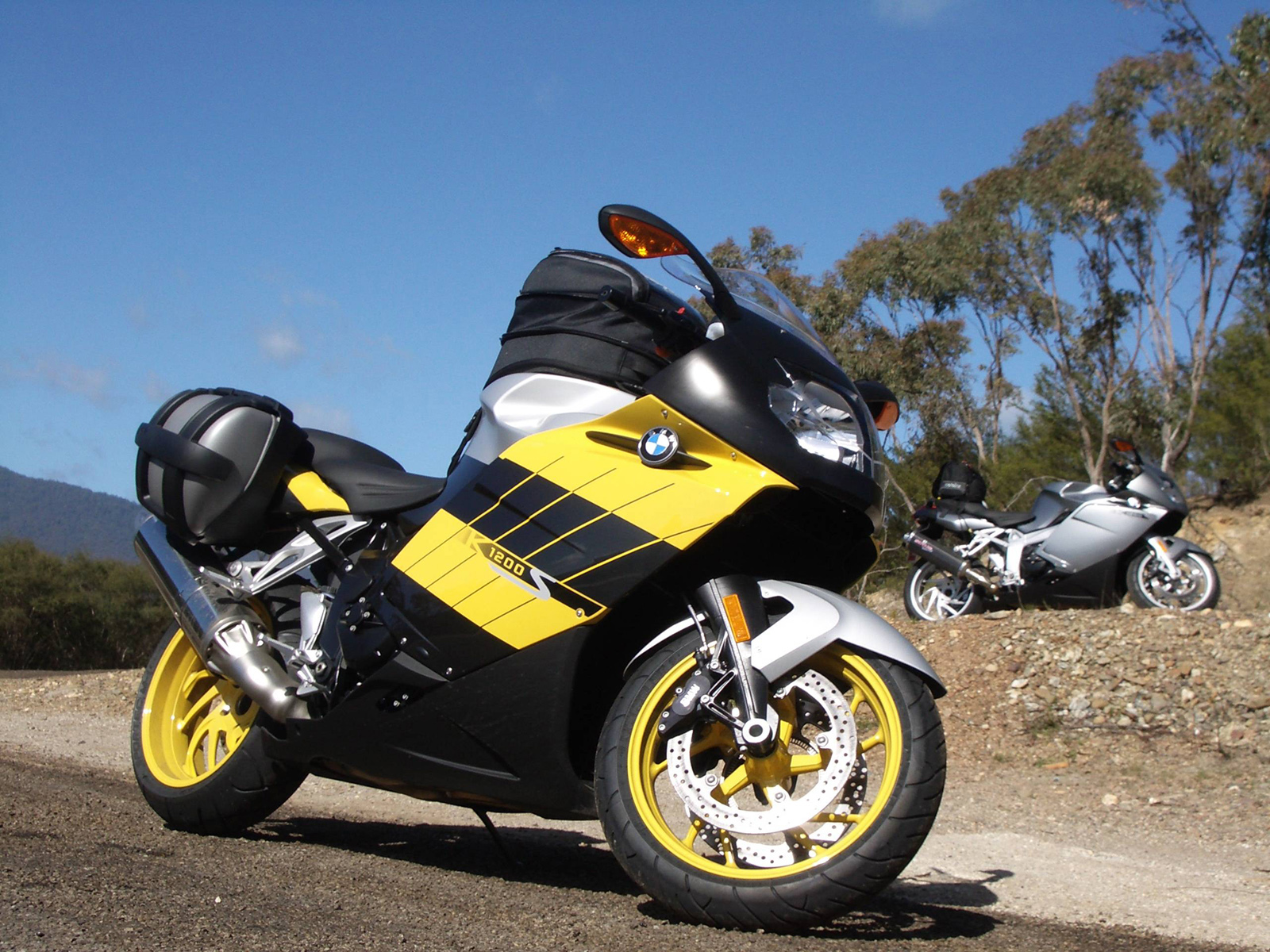 bmw k1200s photos photogallery with 11 pics. Black Bedroom Furniture Sets. Home Design Ideas