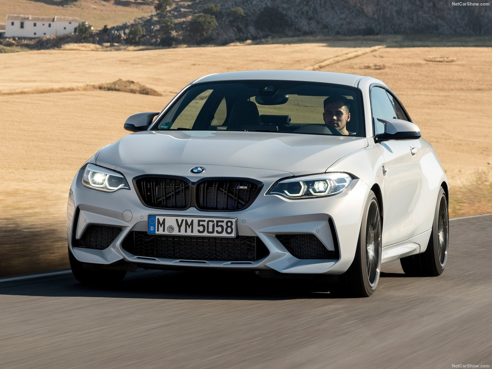 BMW M2 Coupe photo 189927