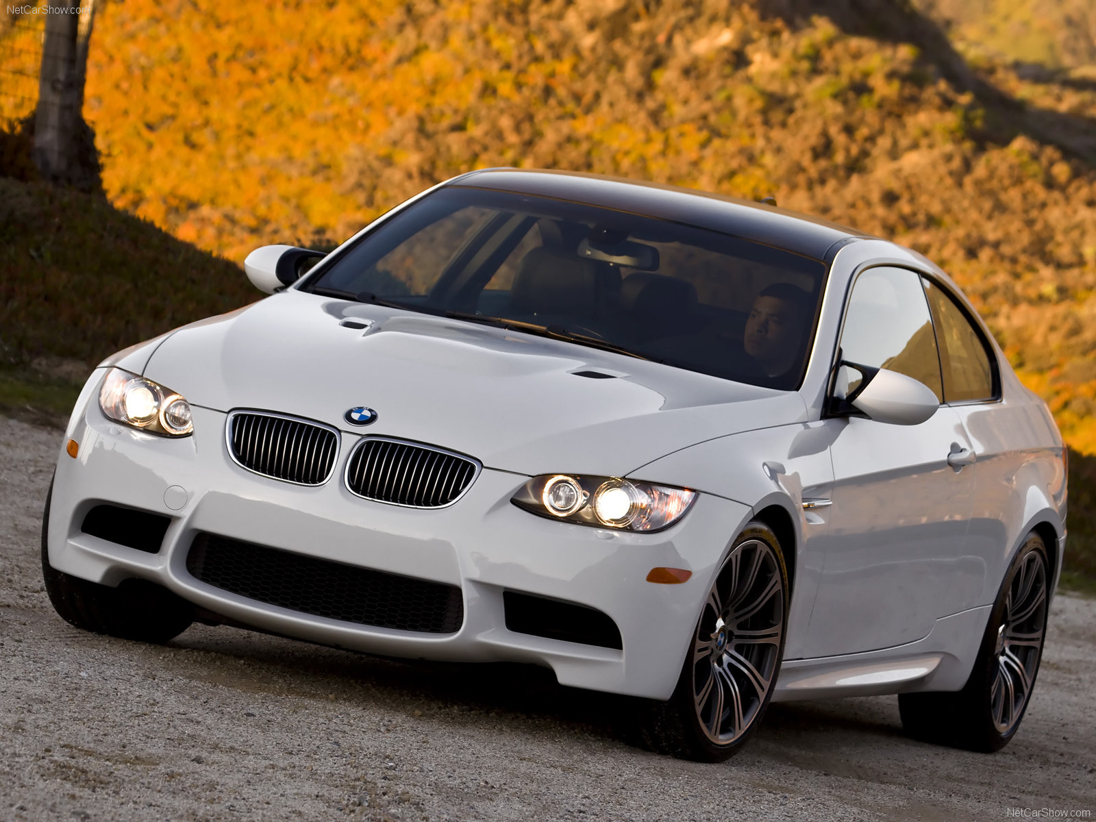 Bmw m3 e92 coupe photos photo gallery page 3 carsbase vanachro Image collections