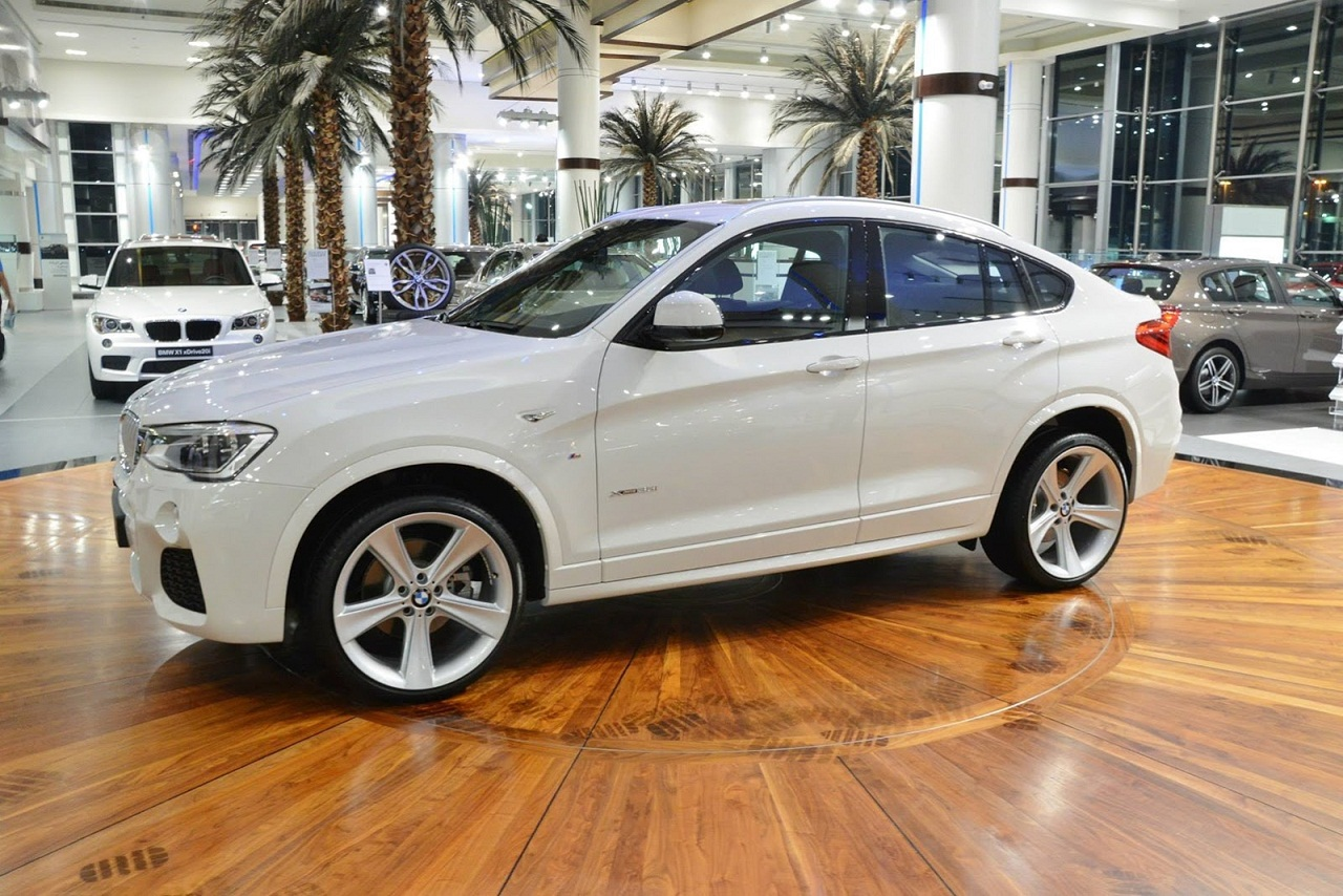 bmw x4 m sport photos photogallery with 5 pics. Black Bedroom Furniture Sets. Home Design Ideas