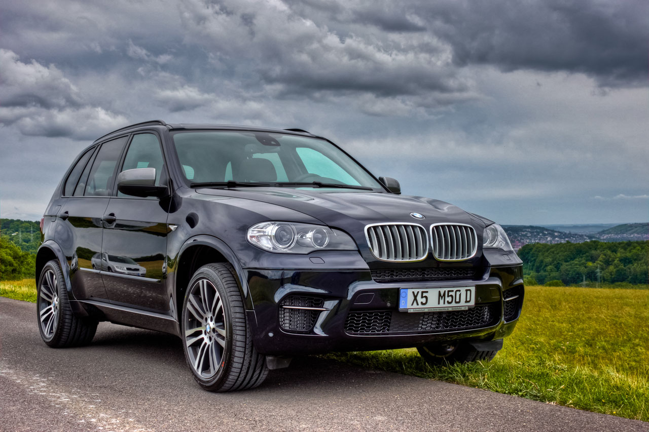Bmw X5 M50d Photos Photogallery With 4 Pics Carsbase Com