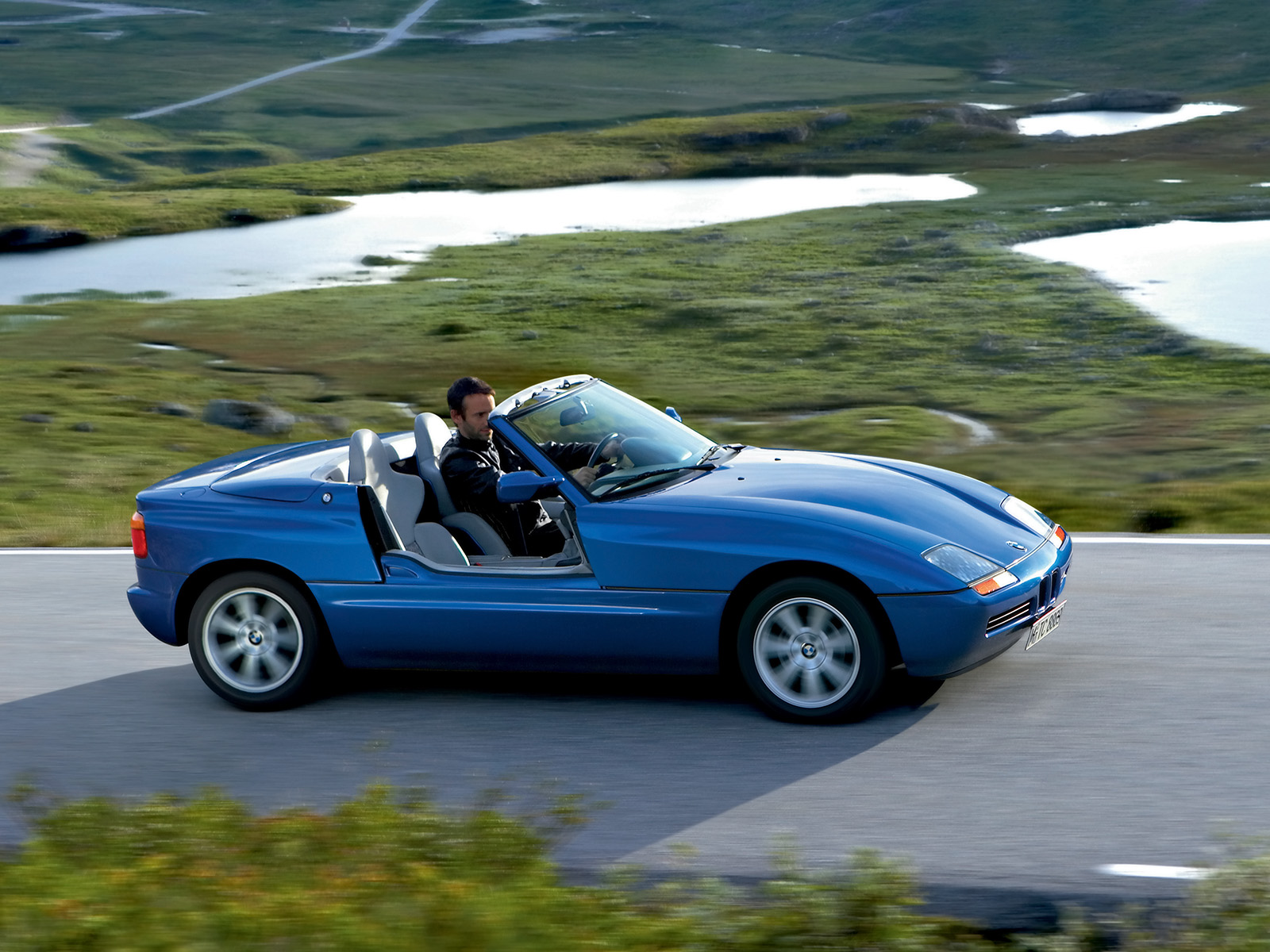 Bmw Z1 Photos Photogallery With 13 Pics Carsbase Com