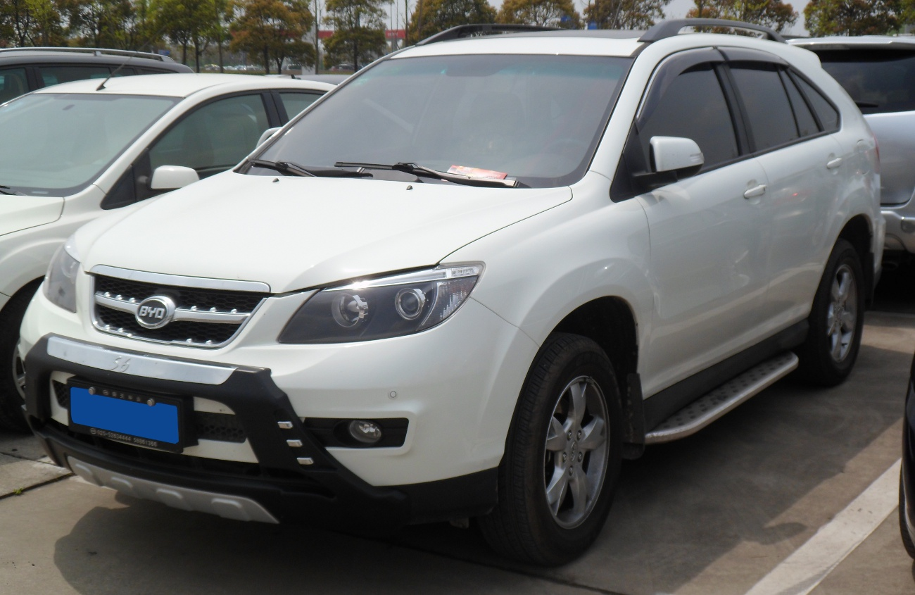 BYD S6 photos - PhotoGallery with 3 pics| CarsBase.com