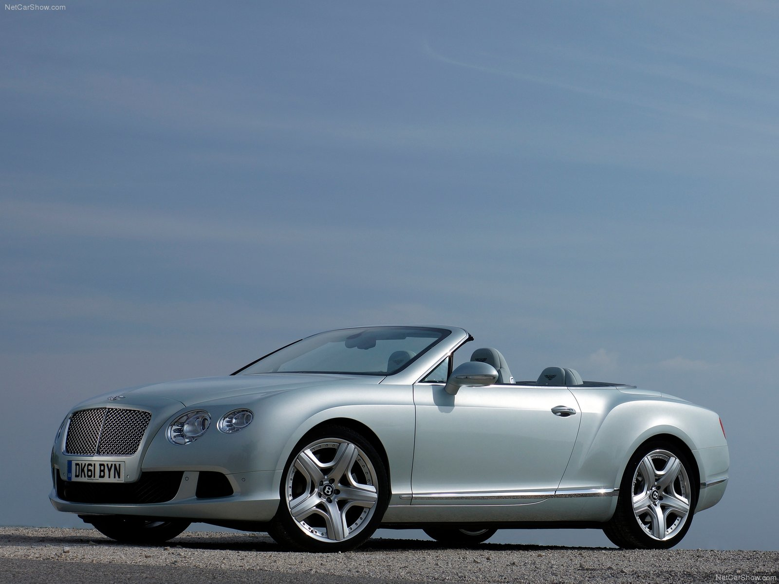 Bentley Continental Gtc Photos Photogallery With 83 Pics