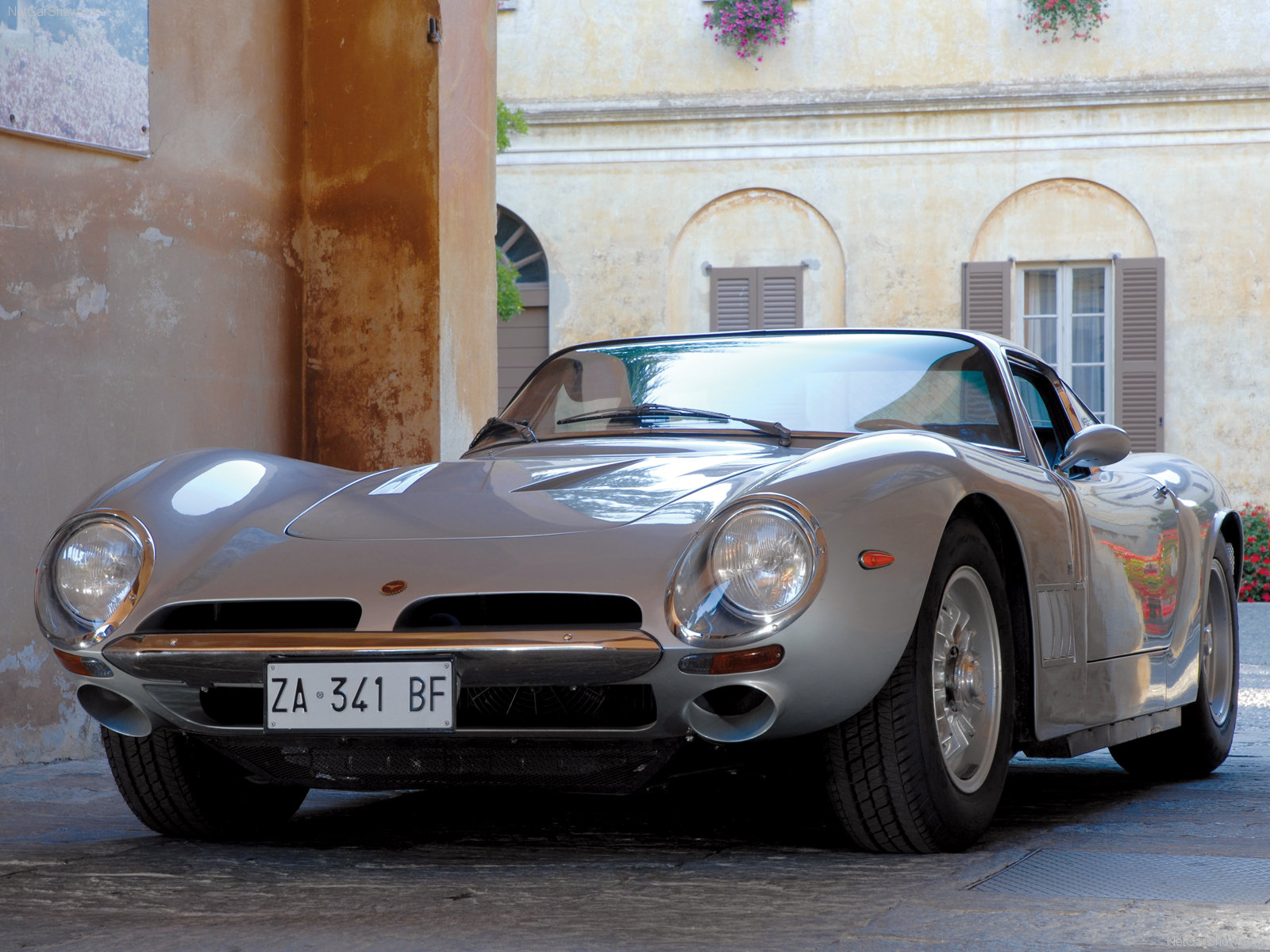 Bizzarrini 5300 GT Strada photo #51343