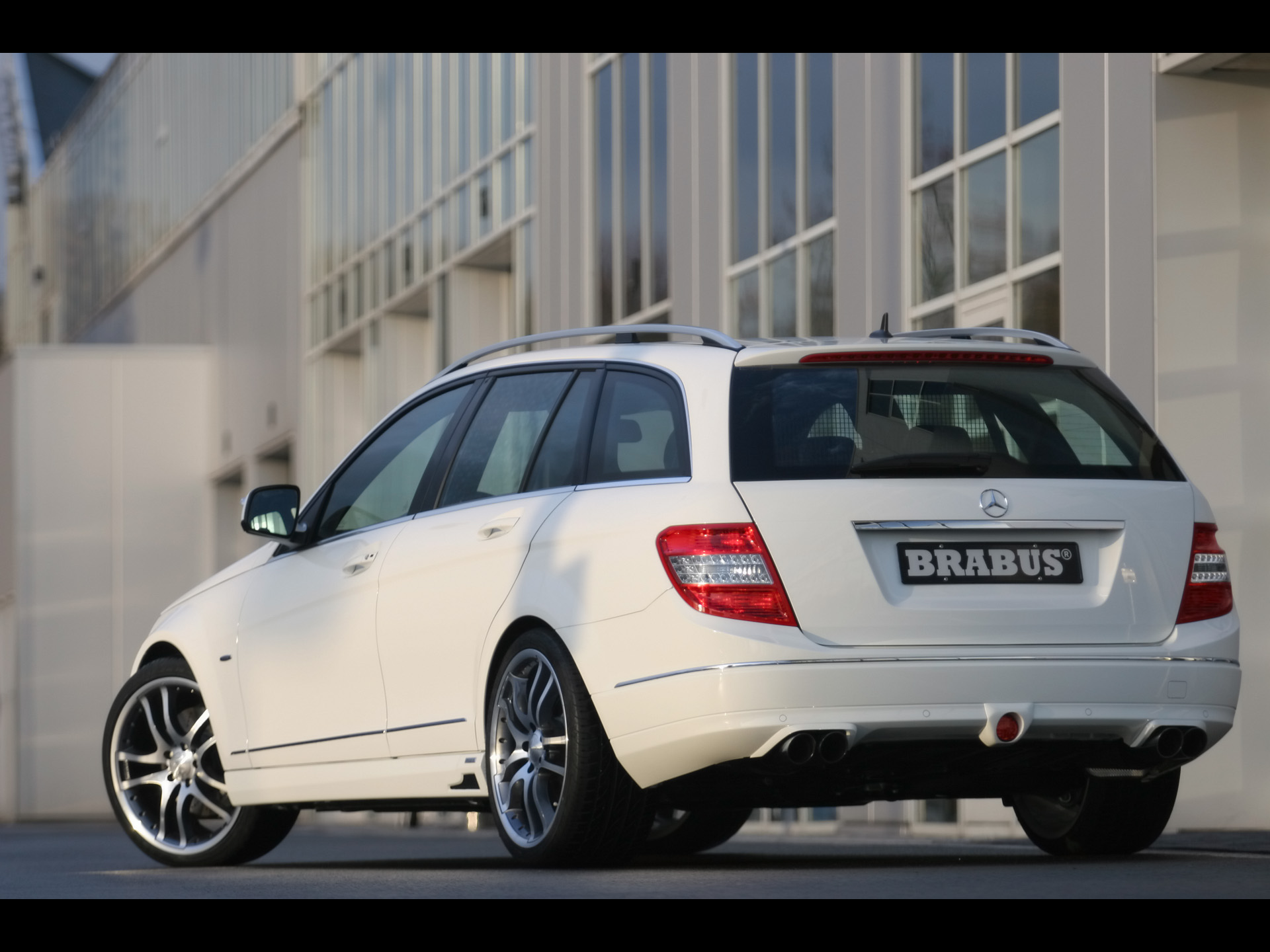 brabus c class estate s204 photos photogallery with 5. Black Bedroom Furniture Sets. Home Design Ideas