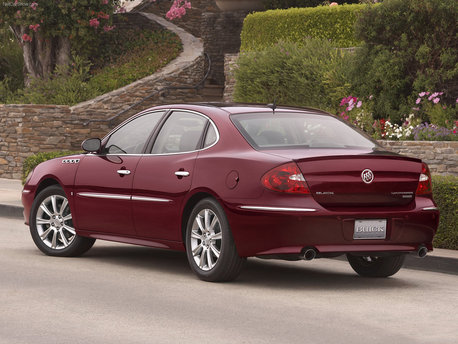 Buick LaCrosse Super photos Gallery with 9 pics CarsBase