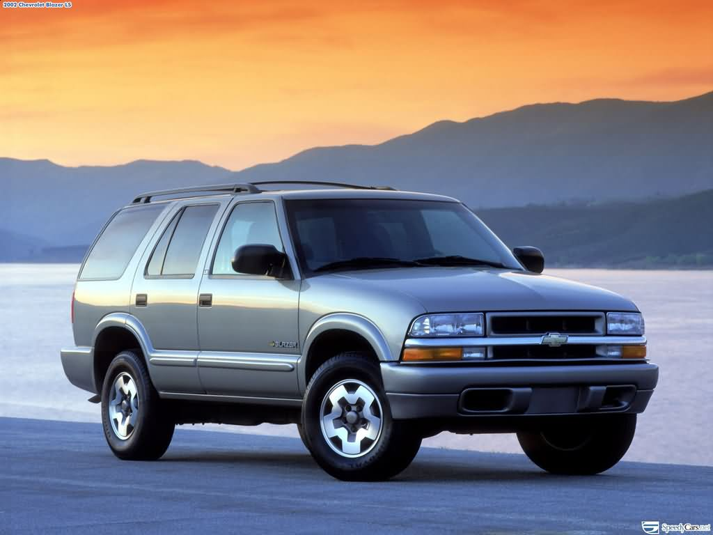 Blazer chevy blazer : Chevrolet Blazer photos - PhotoGallery with 40 pics  CarsBase.com