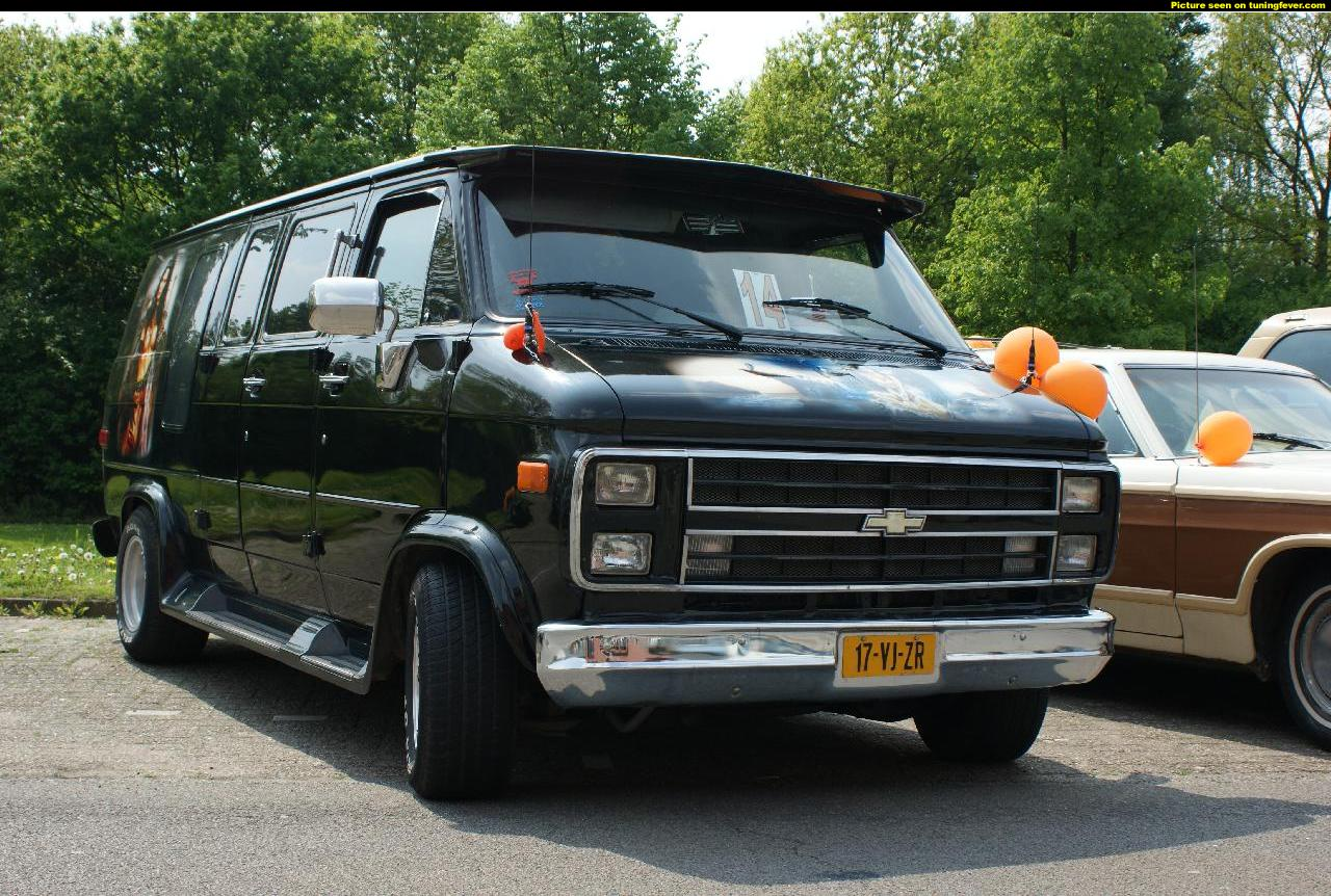Chevrolet Van Photos Photogallery With 7 Pics Carsbase Com