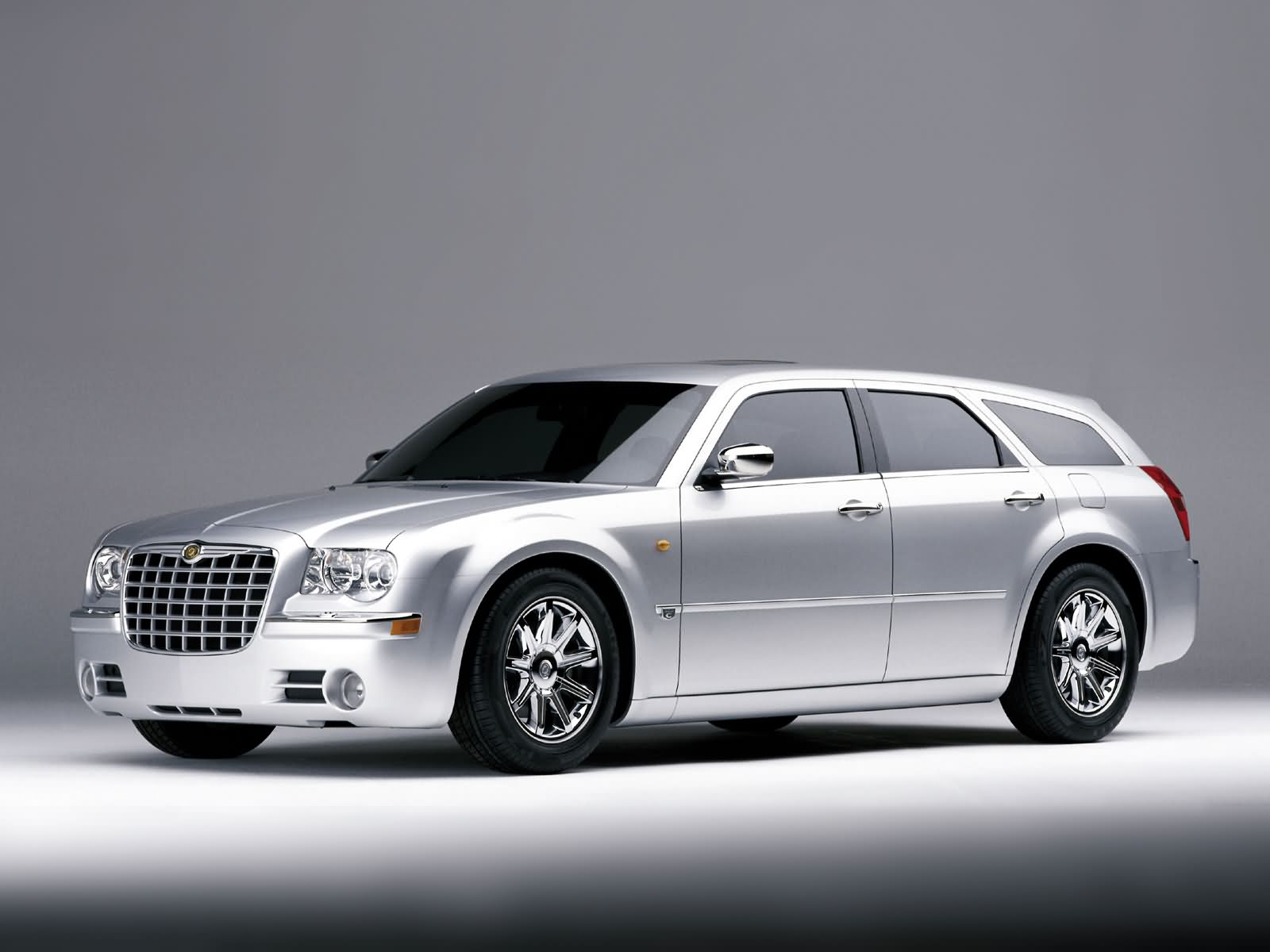 Chrysler 300c touring photos photogallery with 18 pics for Chrysler 300cc