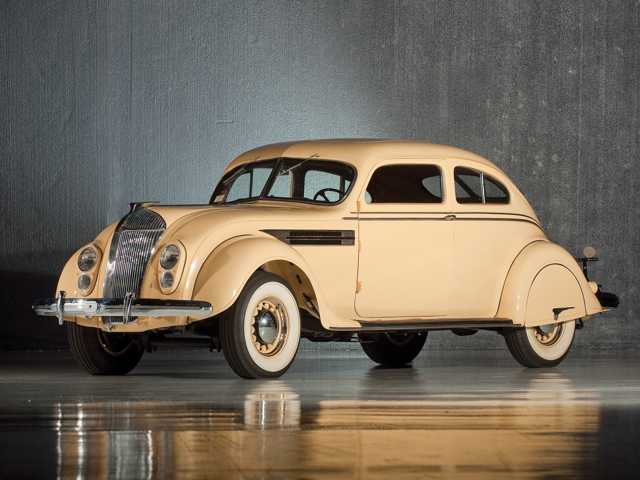 Chrysler Airflow photos - PhotoGallery with 18 pics ...