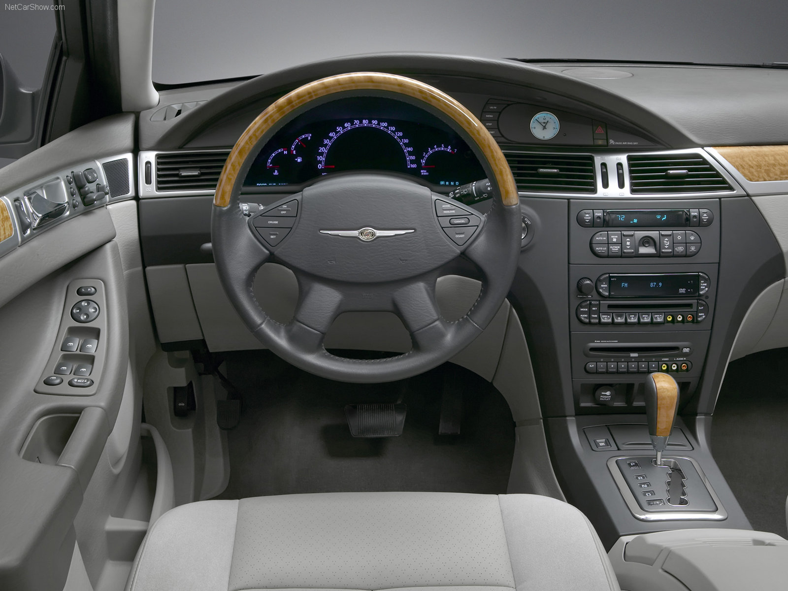 Chrysler pacifica fwd
