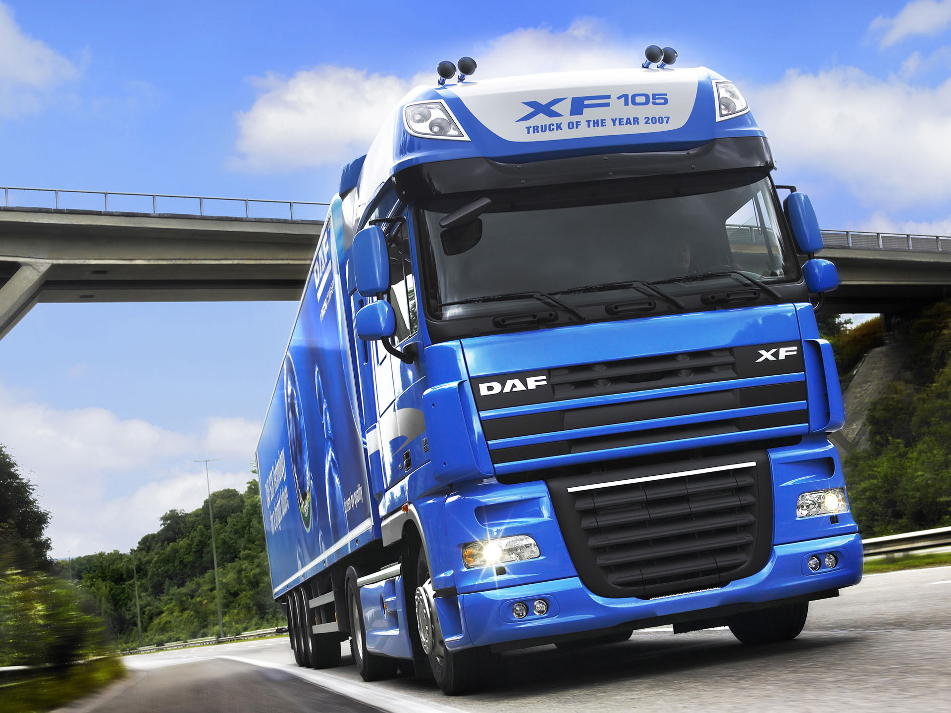 DAF XF 105 photos - PhotoGallery with 19 pics| CarsBase.com