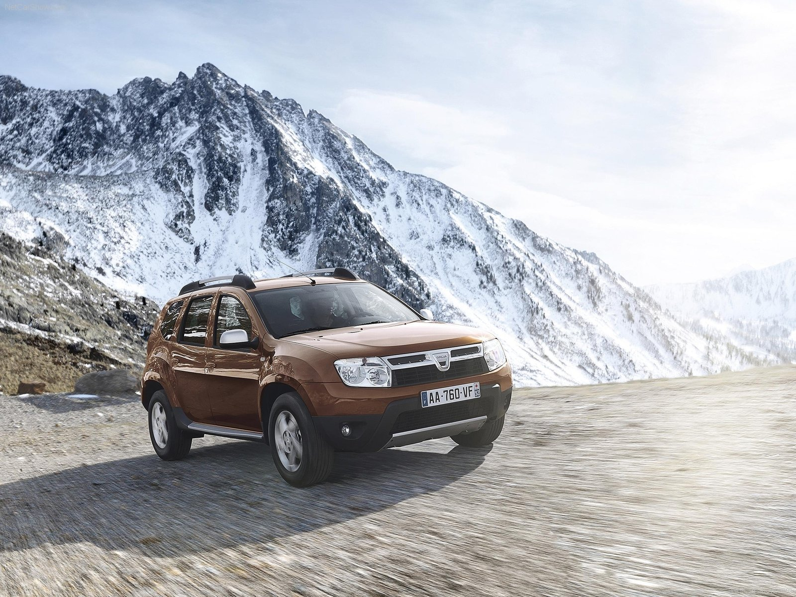 dacia duster photos photogallery with 130 pics. Black Bedroom Furniture Sets. Home Design Ideas