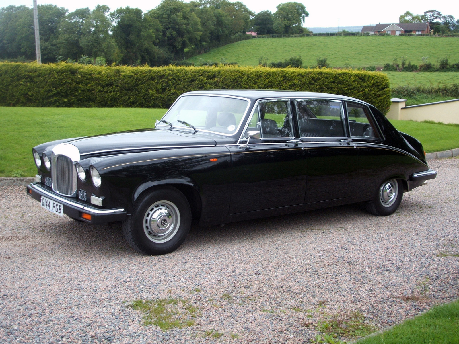Daimler Ds420 Limousine Photos Photogallery With 5 Pics