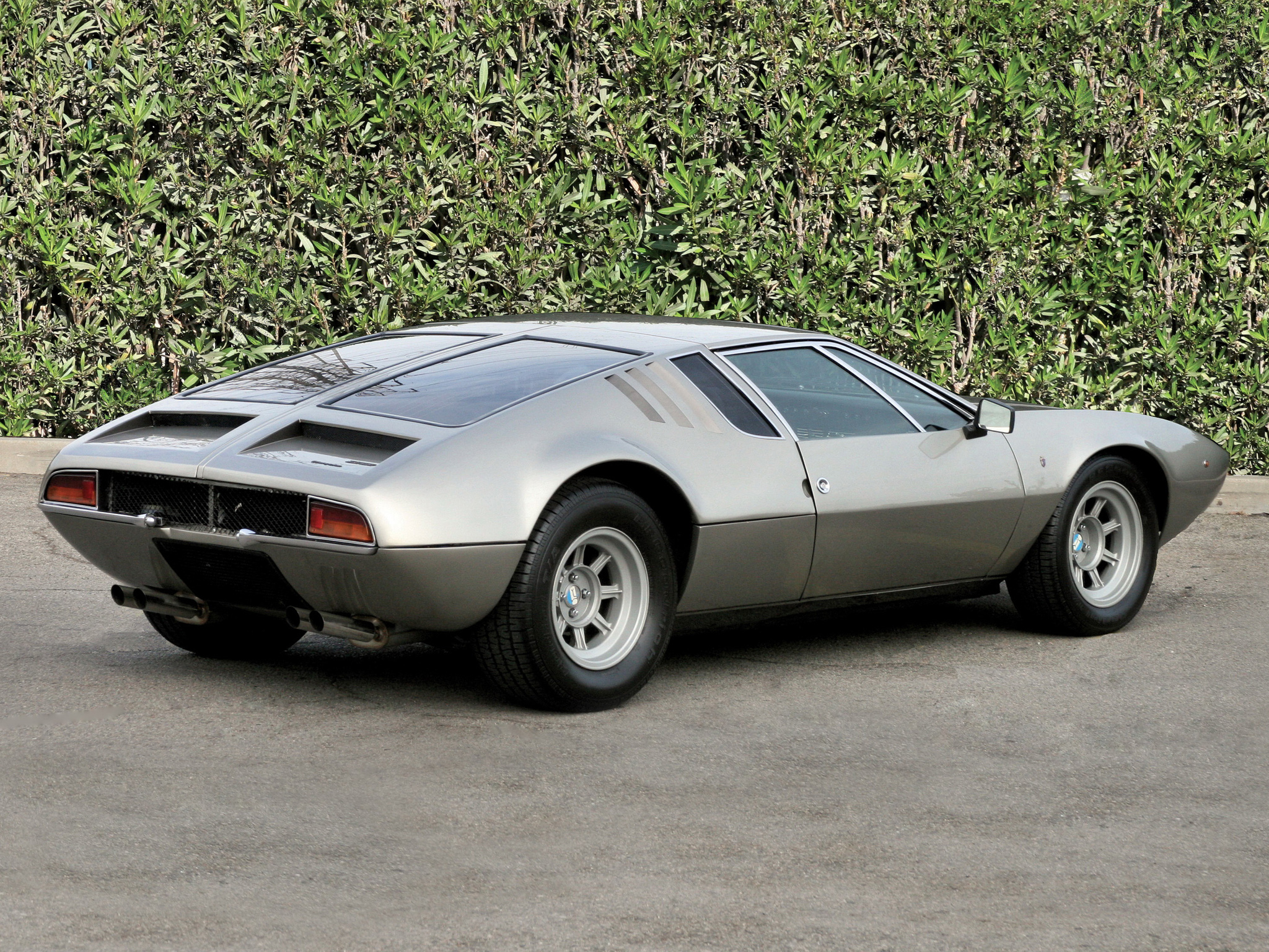 detomaso mangusta photos photogallery with 44 pics. Black Bedroom Furniture Sets. Home Design Ideas