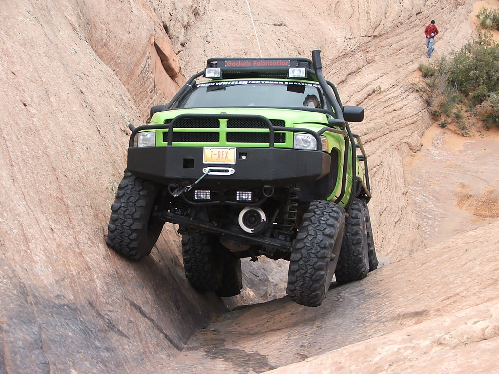 Dodge T-Rex photos - PhotoGallery with 10 pics| CarsBase.com
