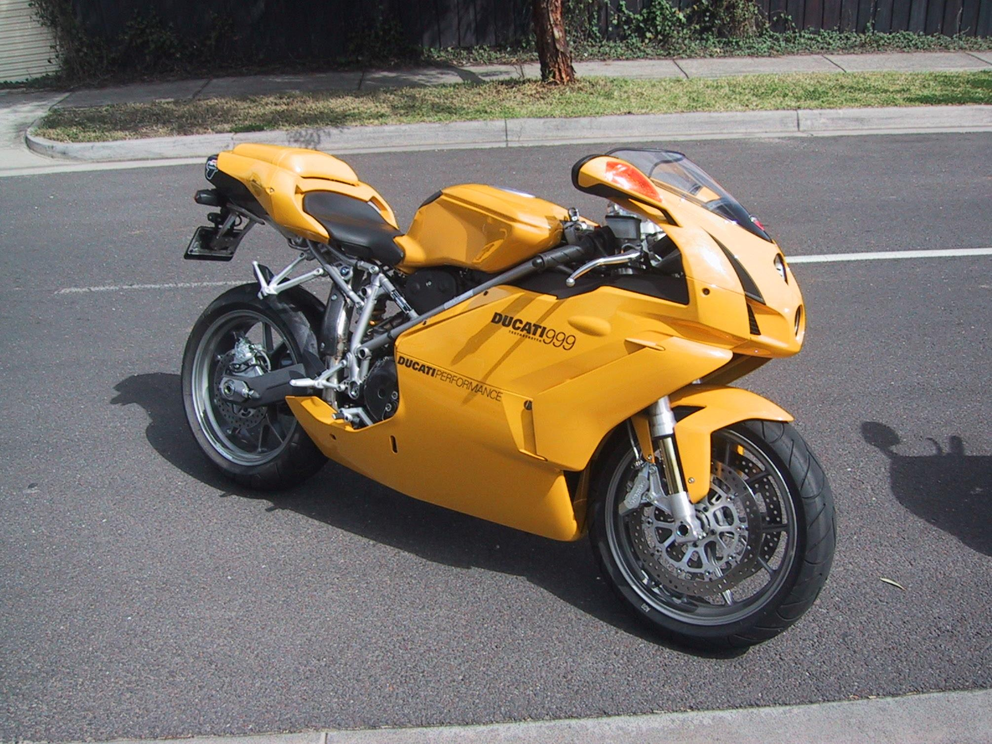 Ducati 999 Photos Photogallery With 8 Pics Carsbase Com