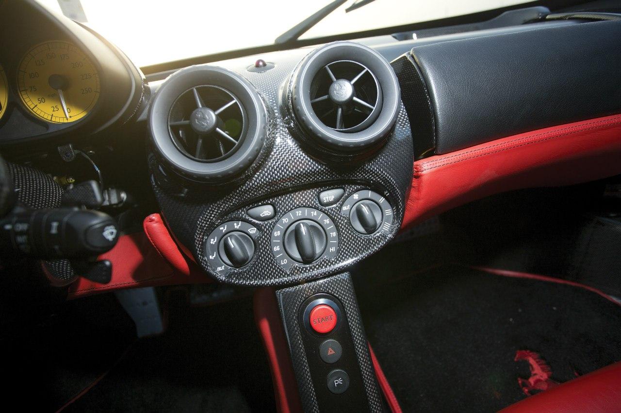 Ferrari Enzo photo 104560