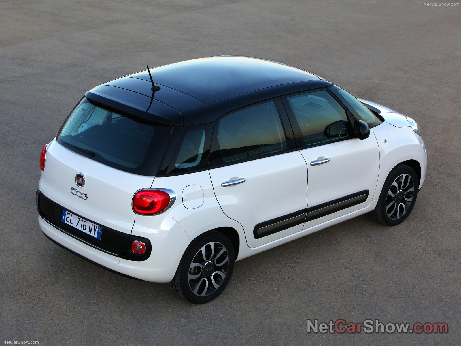 Fiat 500l Photos Photo Gallery Page 3 Carsbase Com