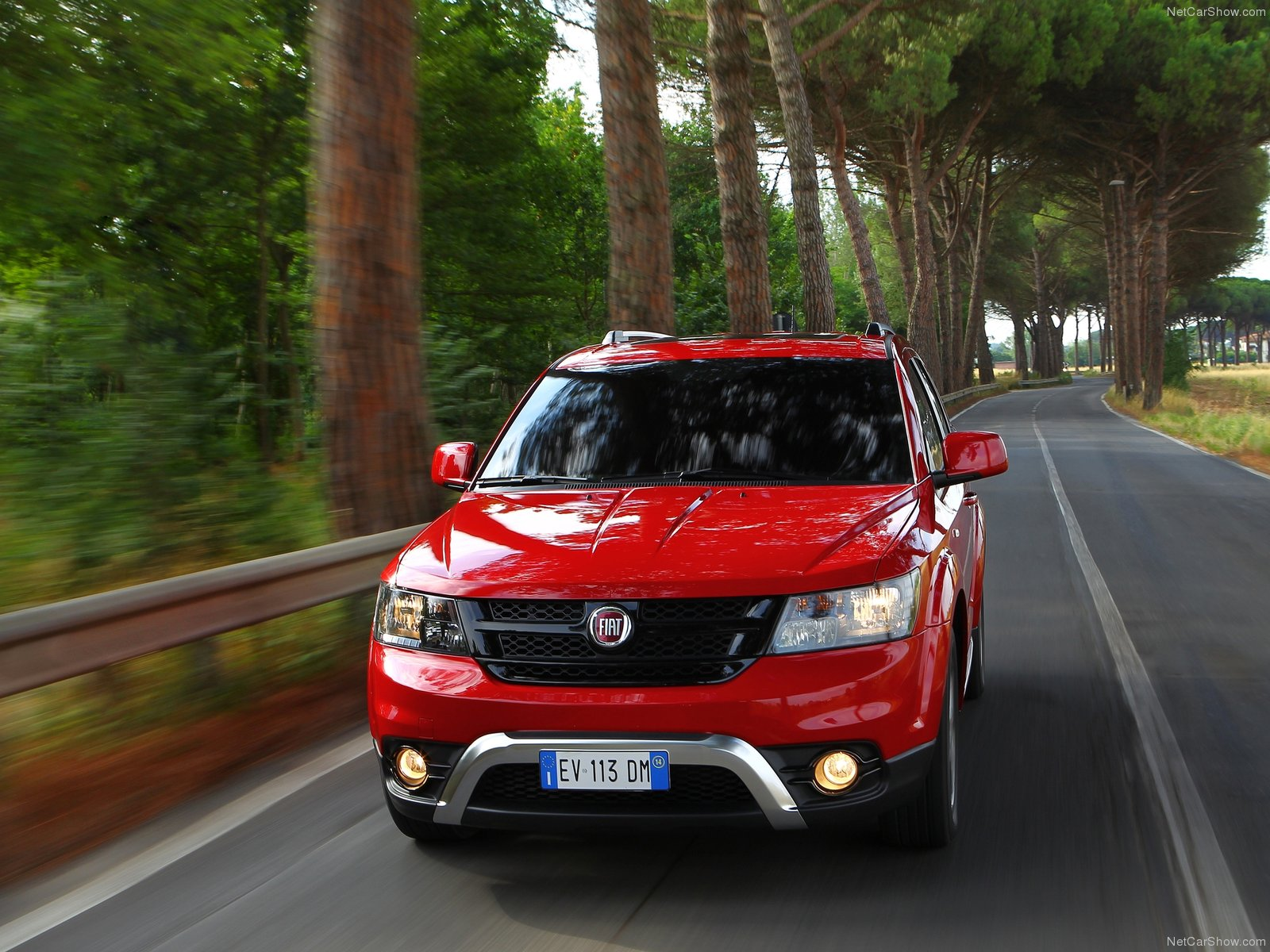 fiat freemont cross picture 124318 fiat photo gallery. Black Bedroom Furniture Sets. Home Design Ideas
