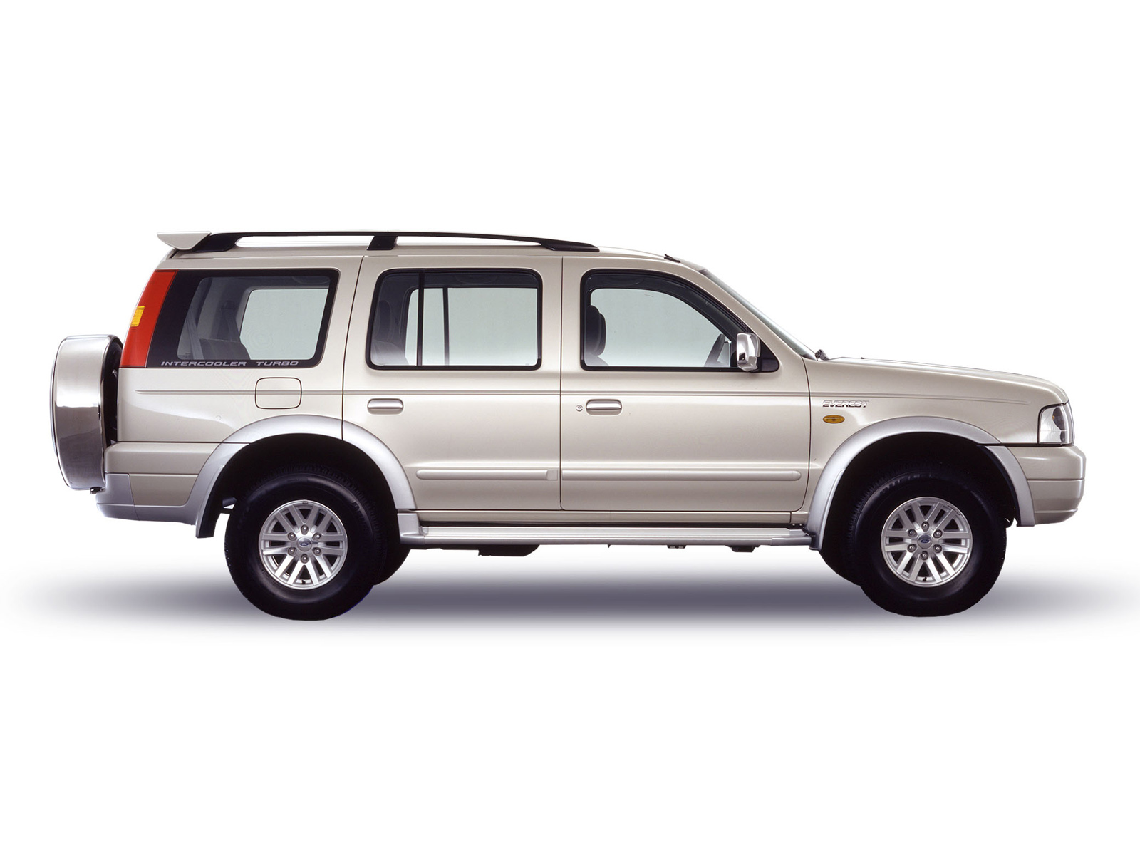 Size of ford everest
