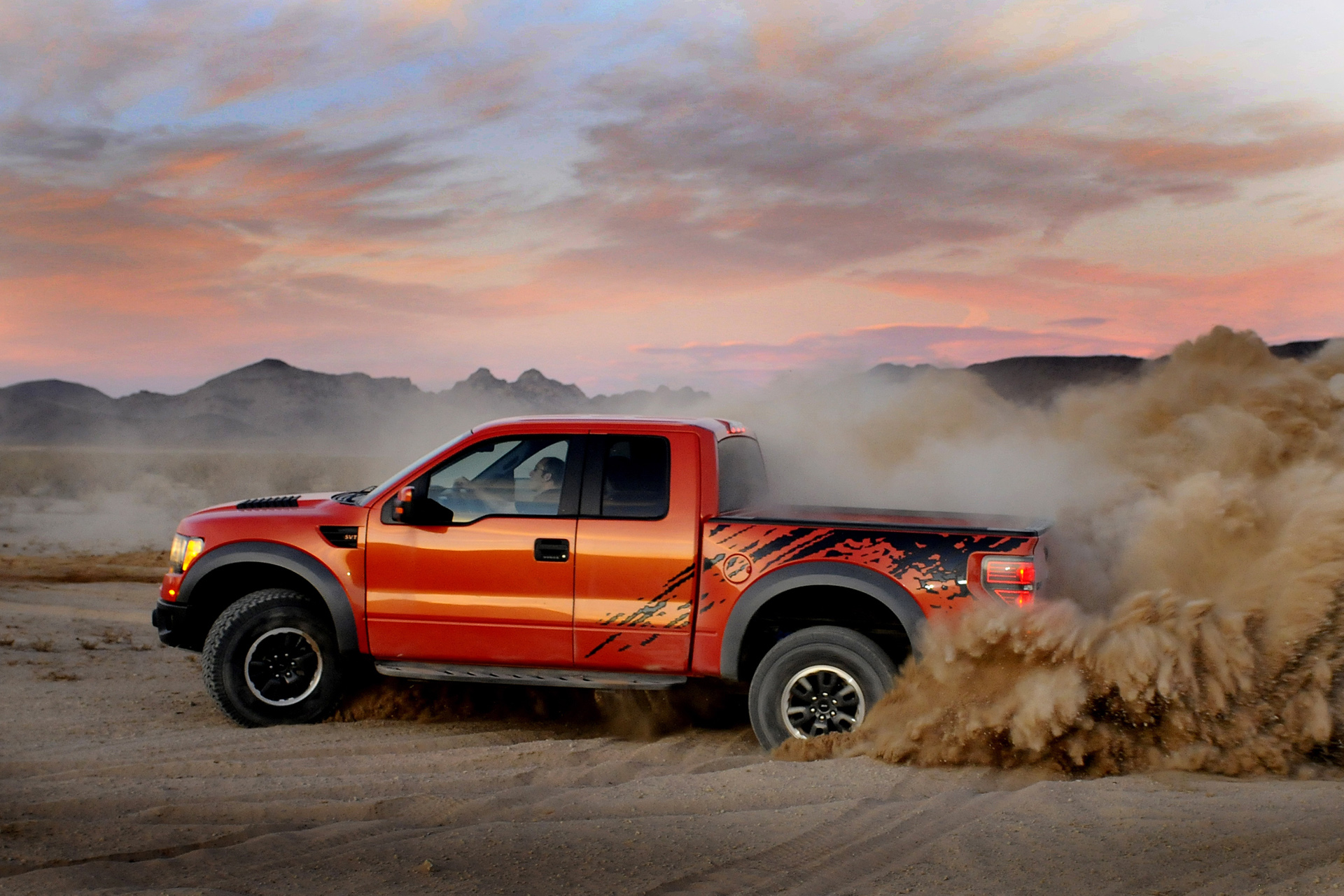 Ford F150 Svt Raptor R Photos Photogallery With 27 Pics