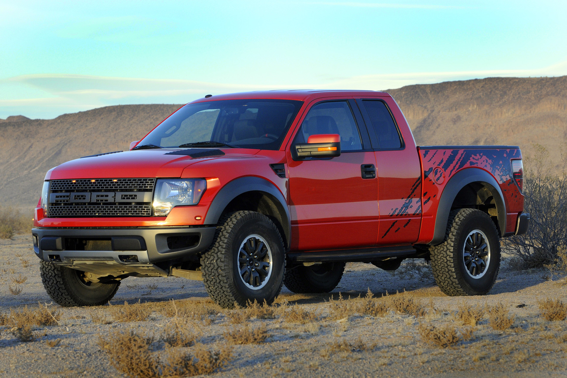 ford f150 svt raptor r photos photogallery with 27 pics. Black Bedroom Furniture Sets. Home Design Ideas