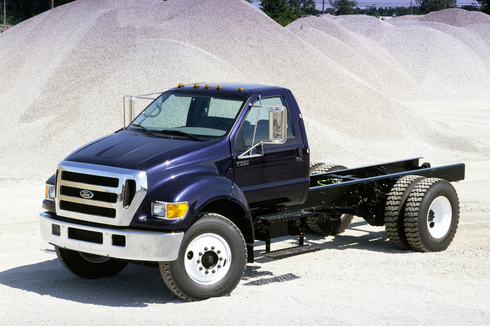 Ford F 750 Photos Photogallery With 11 Pics Carsbase Com