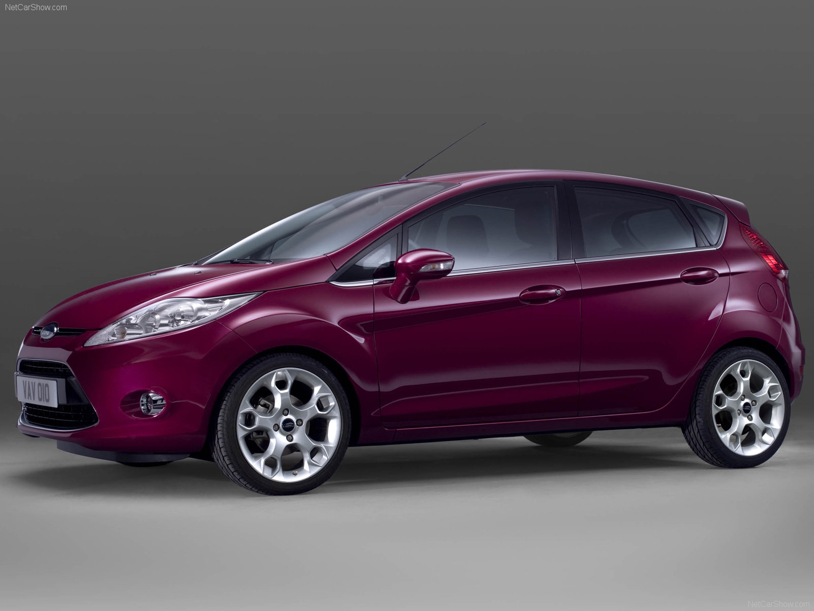 New Ford Fiesta 5-door pictures & Ford Fiesta 5-door photos - PhotoGallery with 3 pics| CarsBase.com Pezcame.Com