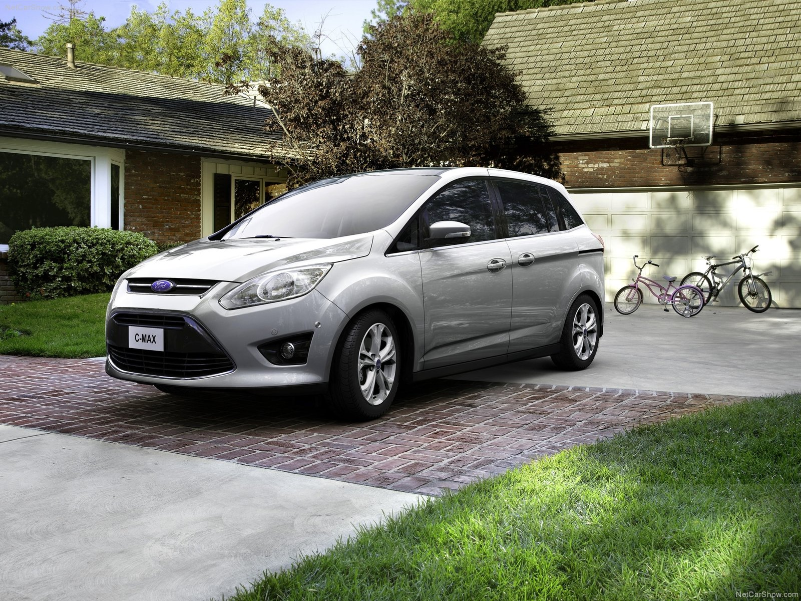 ford focus c max photos photogallery with 27 pics. Black Bedroom Furniture Sets. Home Design Ideas