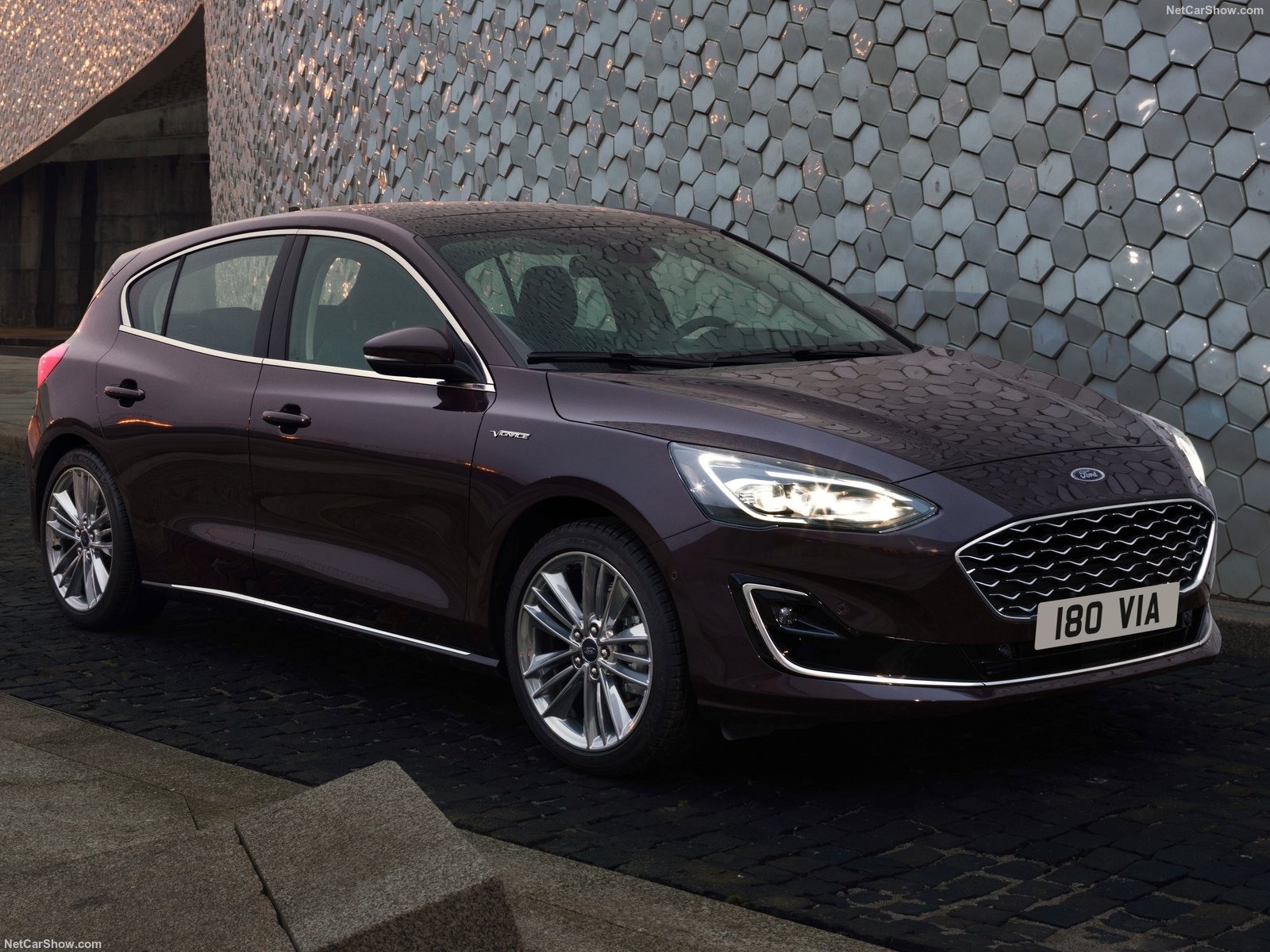 ford focus vignale photos photogallery with 36 pics. Black Bedroom Furniture Sets. Home Design Ideas