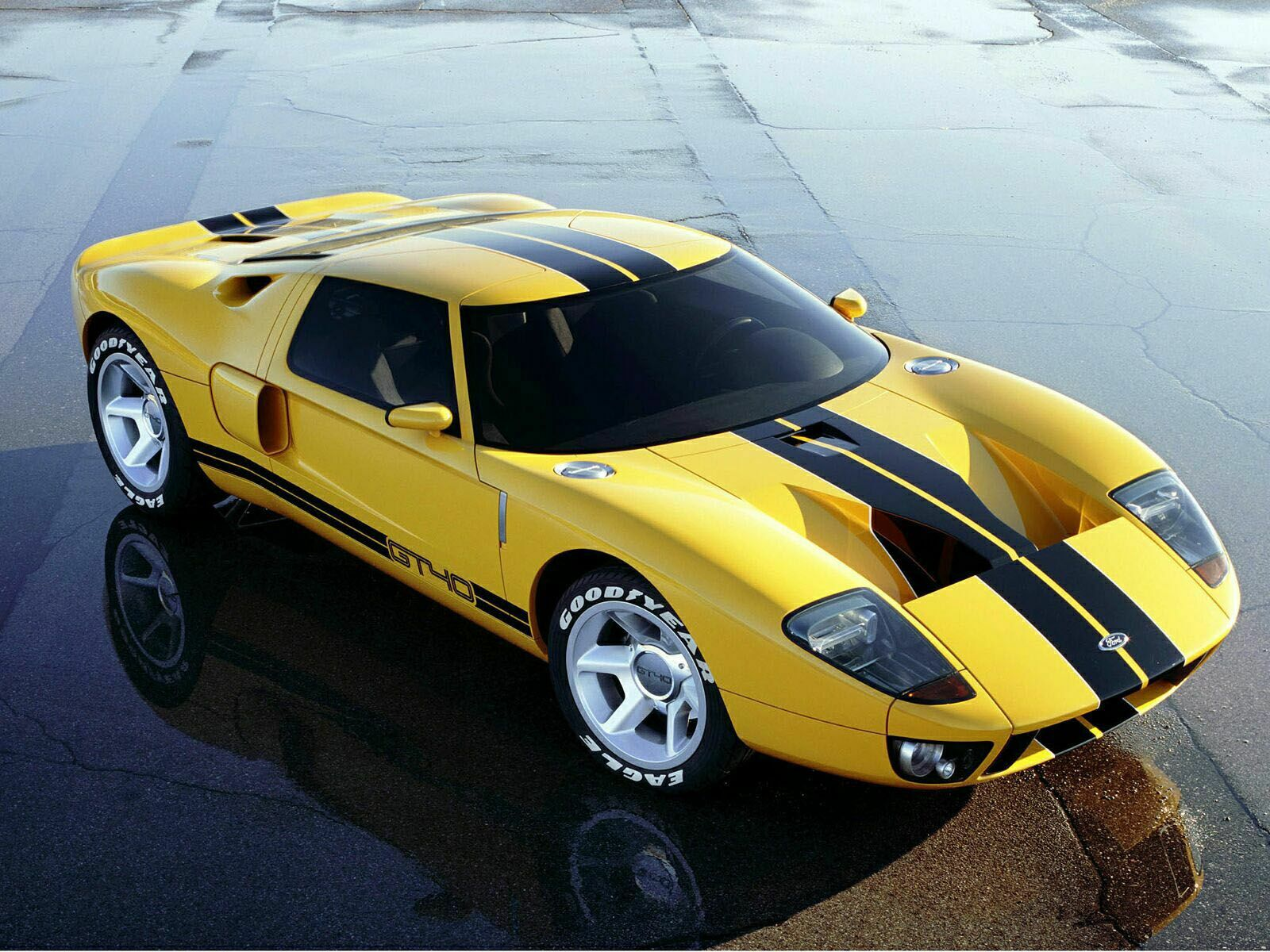 Ford gt40 photos photogallery with 57 pics carsbase com