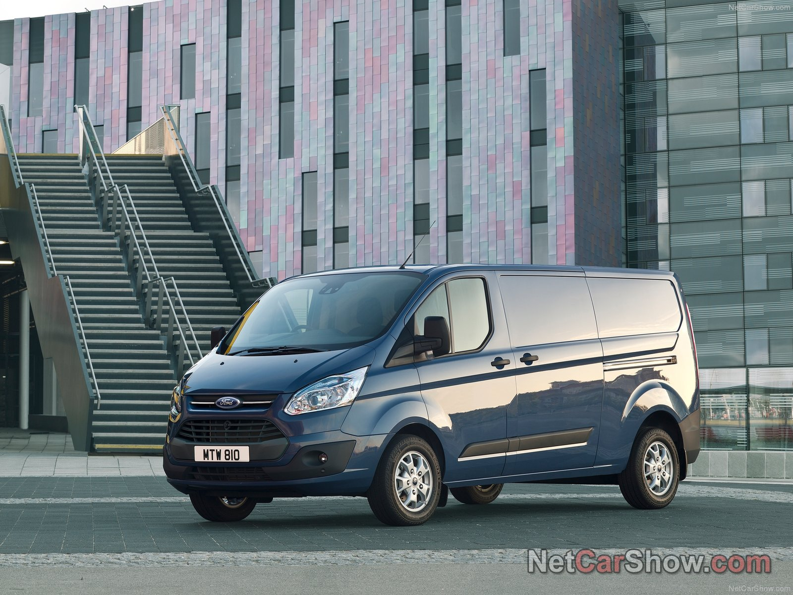 ford transit custom photos photogallery with 23 pics. Black Bedroom Furniture Sets. Home Design Ideas