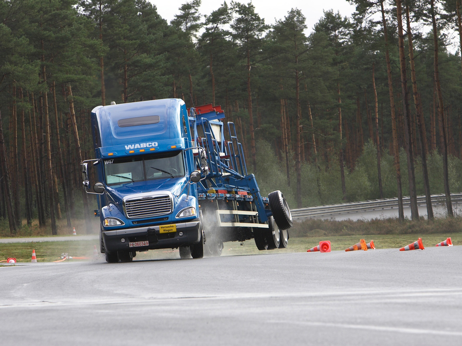 Freightliner Columbia Photos Photogallery With 11 Pics
