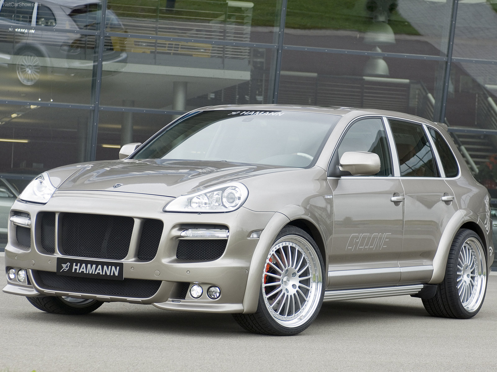 hamann porsche cayenne cyclone photos photogallery with 12 pics. Black Bedroom Furniture Sets. Home Design Ideas