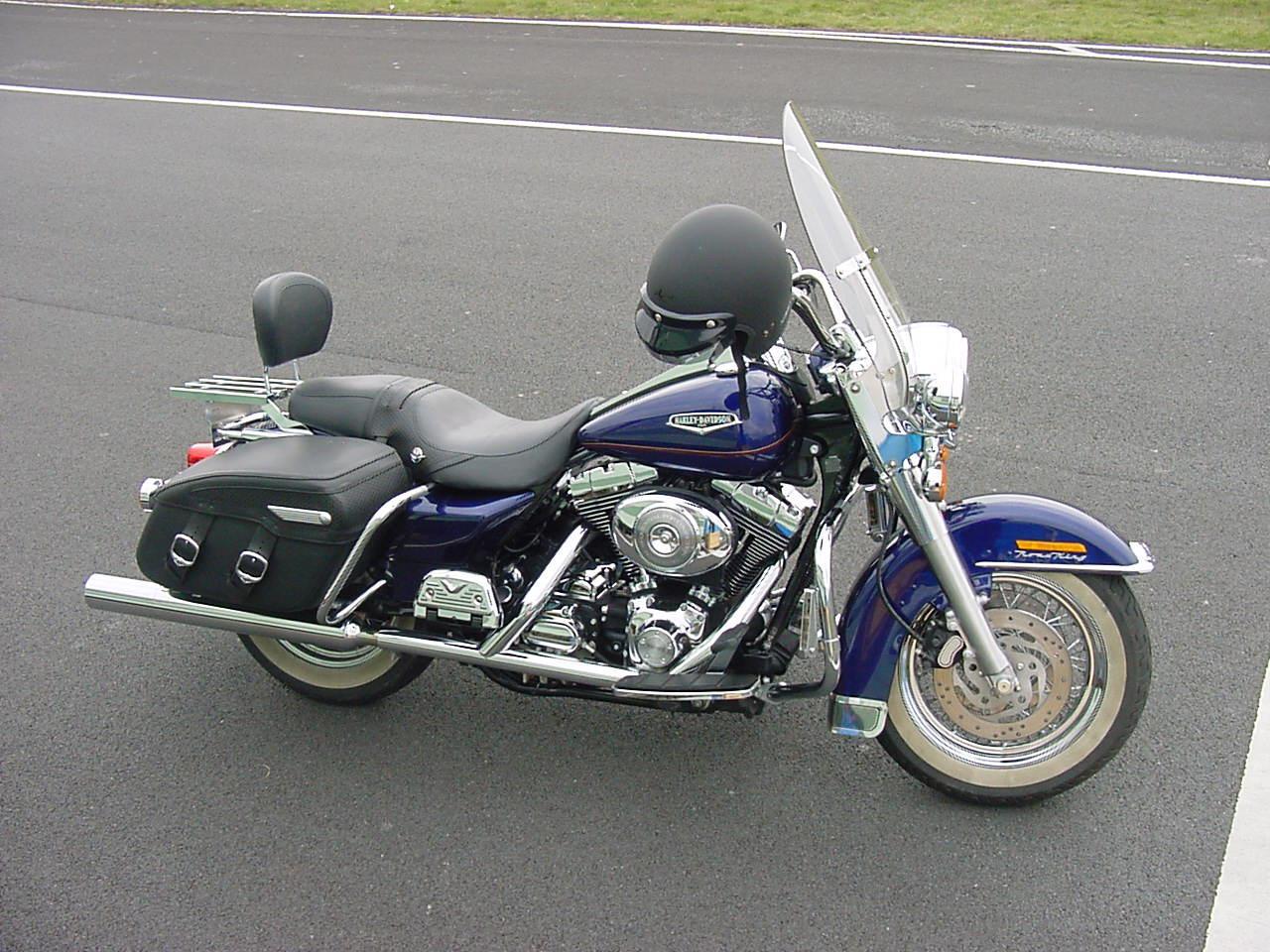 Harley-Davidson FLHRCI Road King Photos