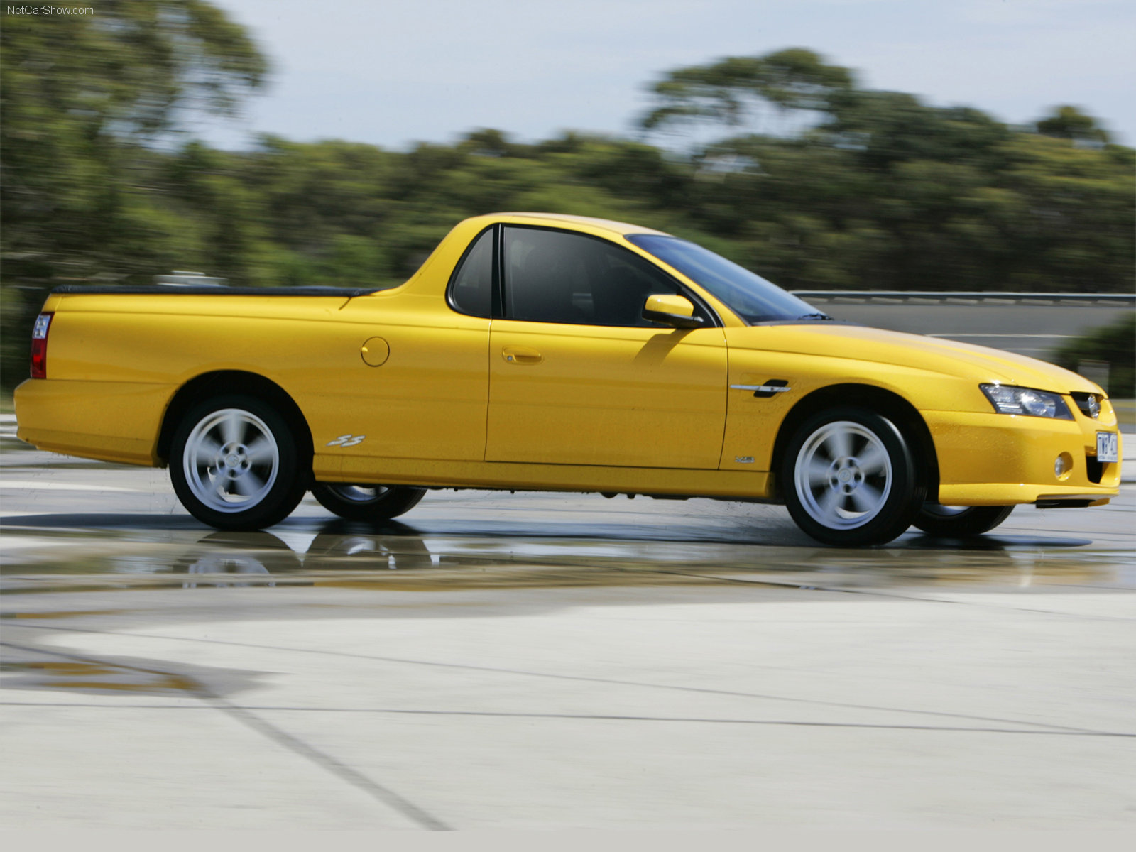 Holden vz ute ss photos photogallery with 10 pics carsbase new holden vz ute ss pictures vanachro Gallery