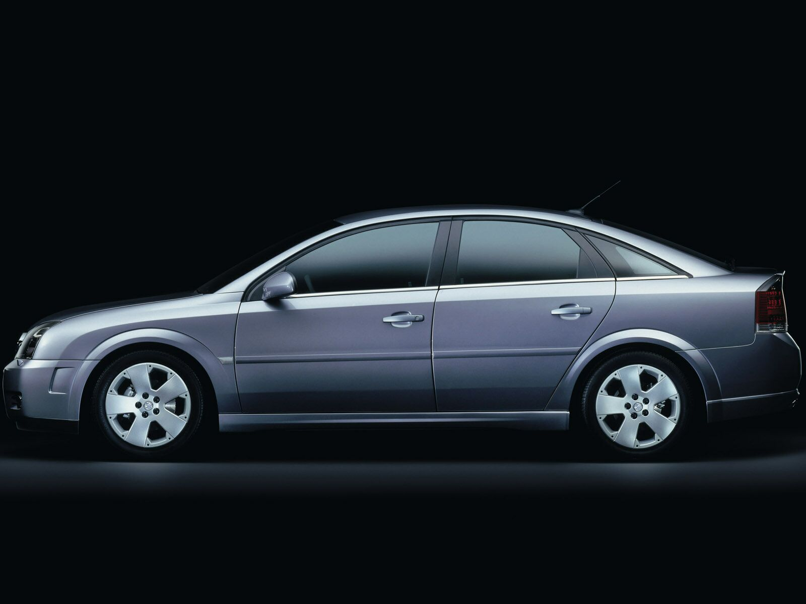 Holden vectra photos photogallery with 13 pics carsbase new holden vectra pictures vanachro Gallery