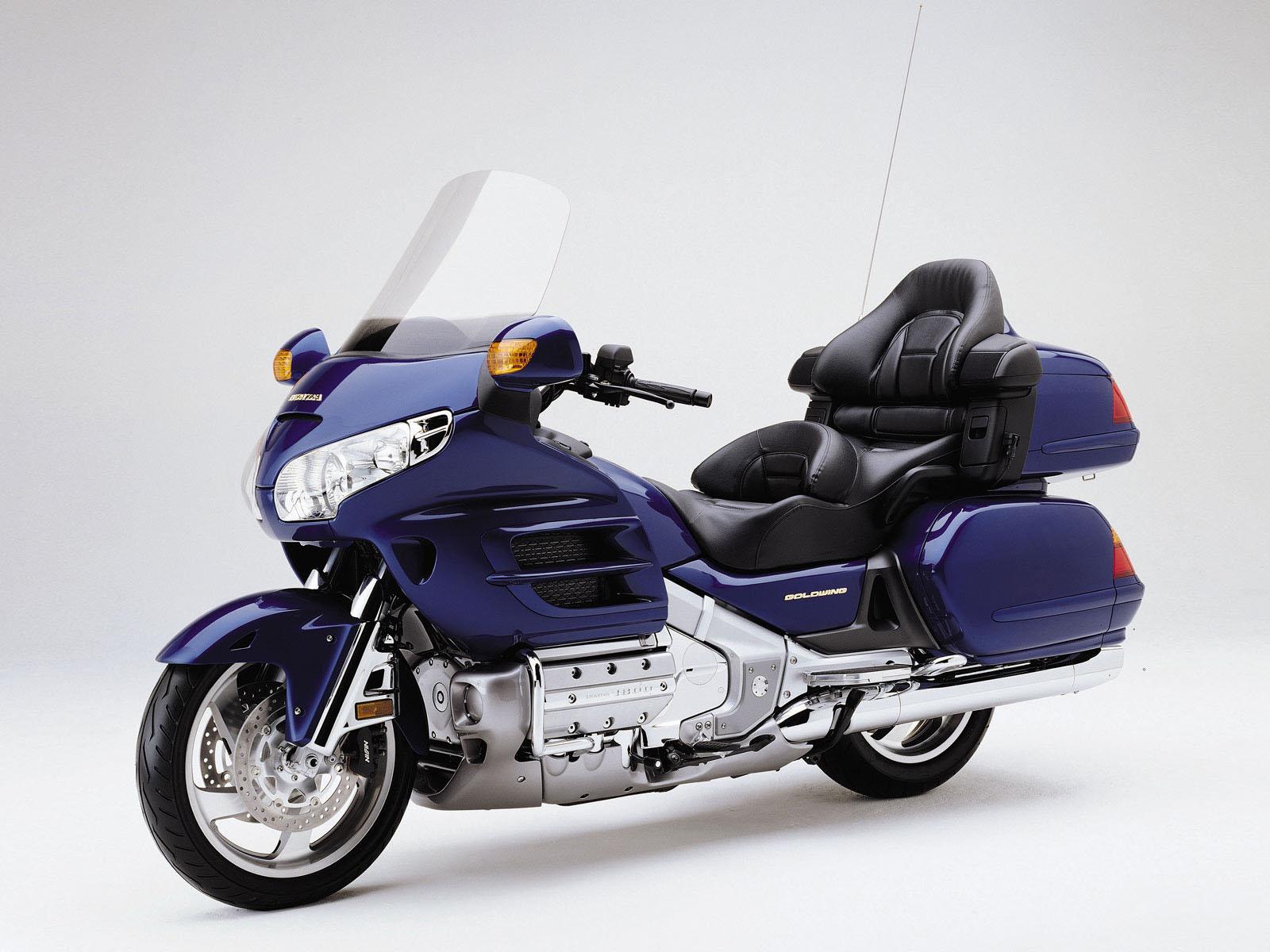 本田金翼1800摩托车