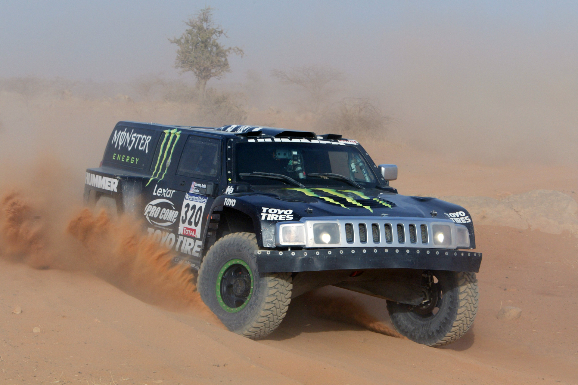 Hummer H3 Dakar Photos Photogallery With 13 Pics