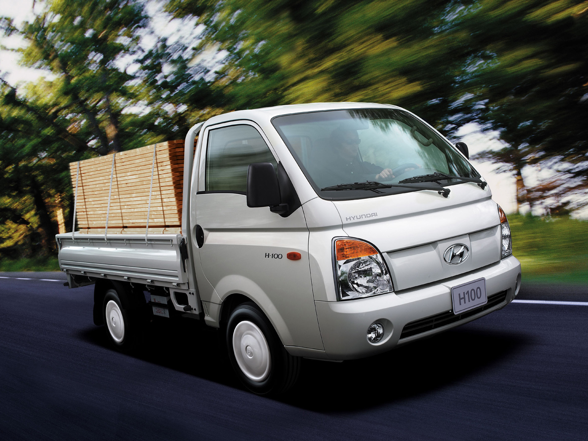 Hyundai H100 Photos - PhotoGallery With 5 Pics