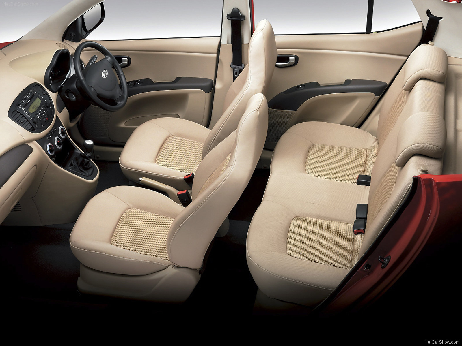Hyundai i10 Magna Features: