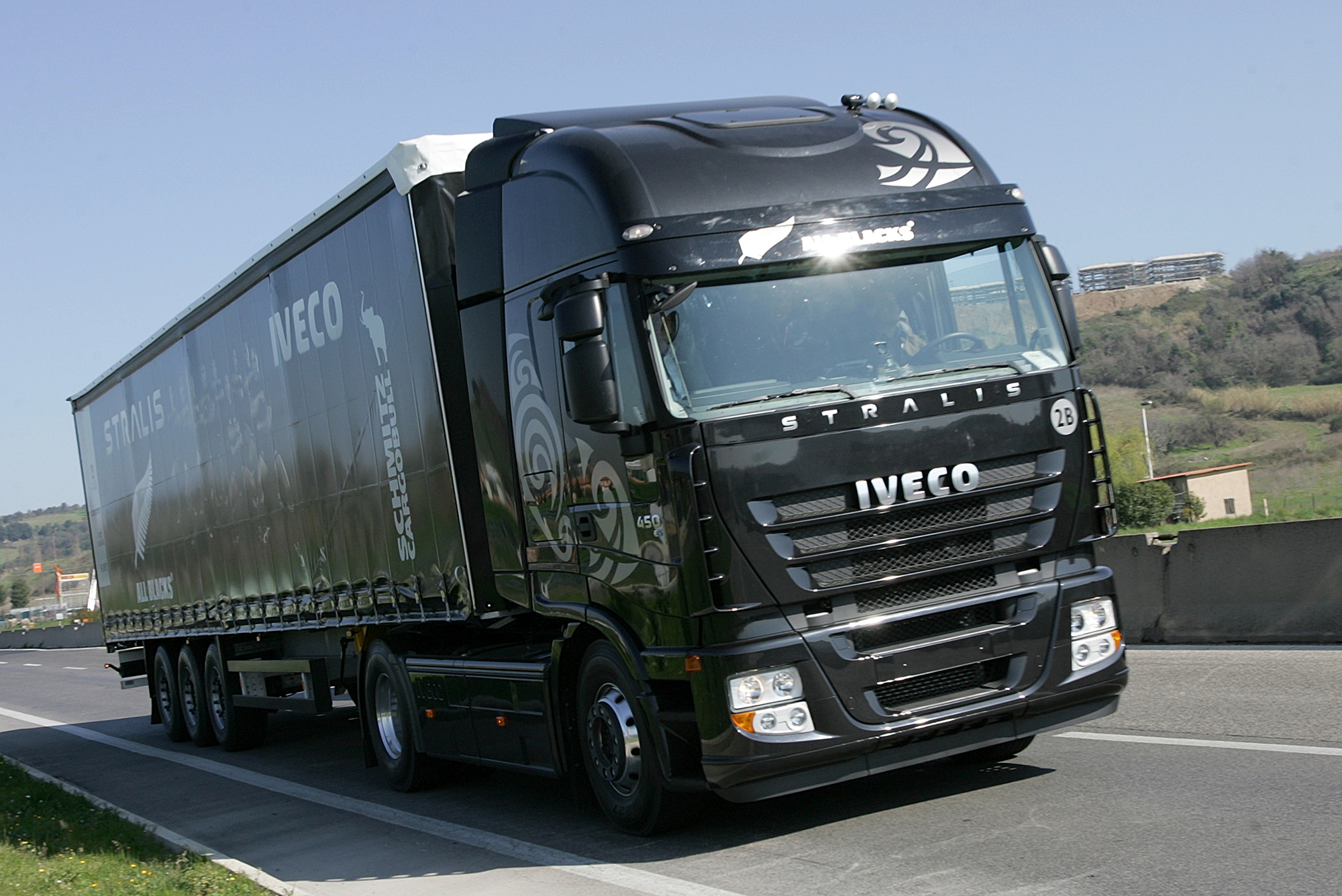 iveco stralis photos photogallery with 20 pics. Black Bedroom Furniture Sets. Home Design Ideas