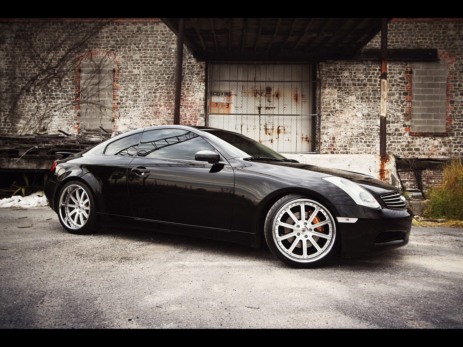 infiniti g35 sport coupe photos photogallery with 5 pics. Black Bedroom Furniture Sets. Home Design Ideas