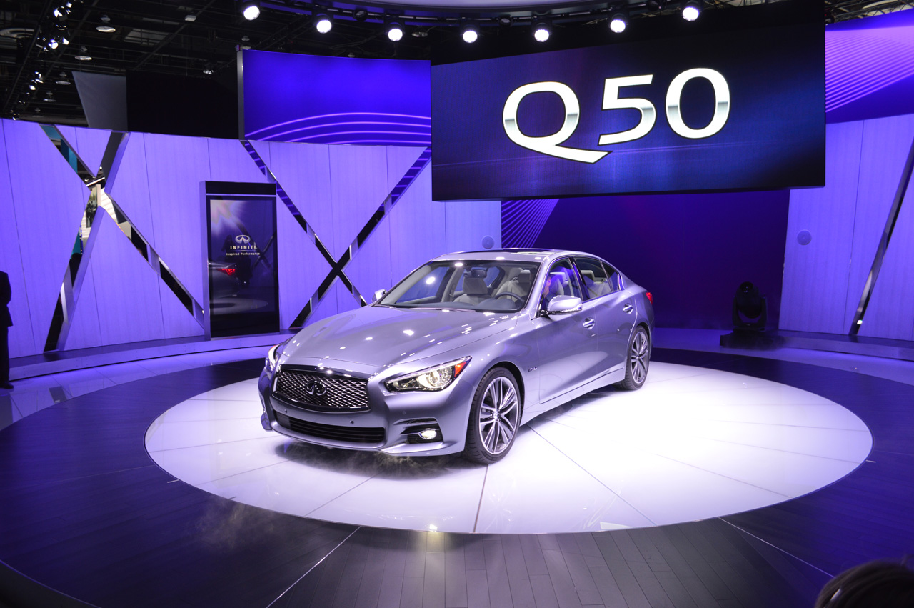 infiniti q50 photos photogallery with 45 pics. Black Bedroom Furniture Sets. Home Design Ideas