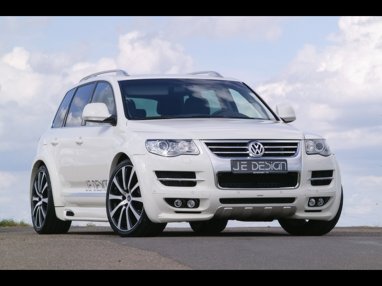 je design volkswagen touareg photos photogallery with 15 pics. Black Bedroom Furniture Sets. Home Design Ideas