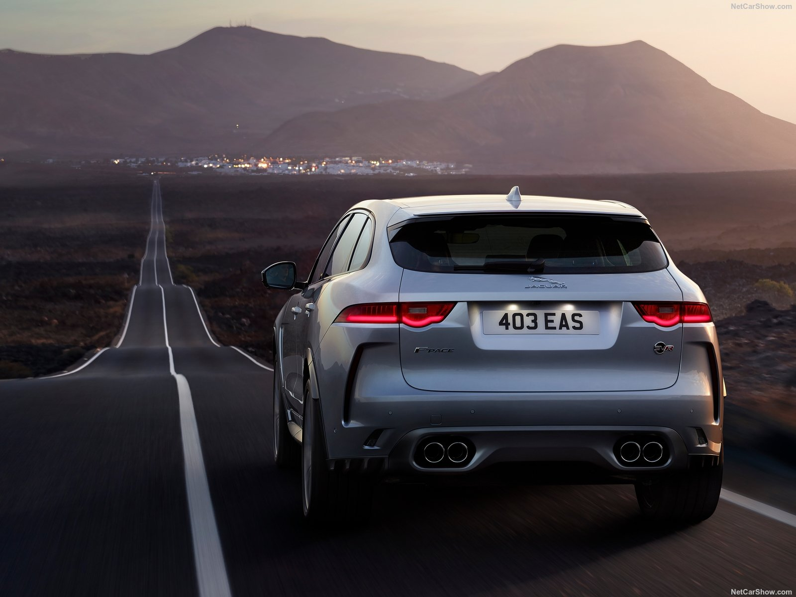 Jaguar F-Pace SVR photo 187429