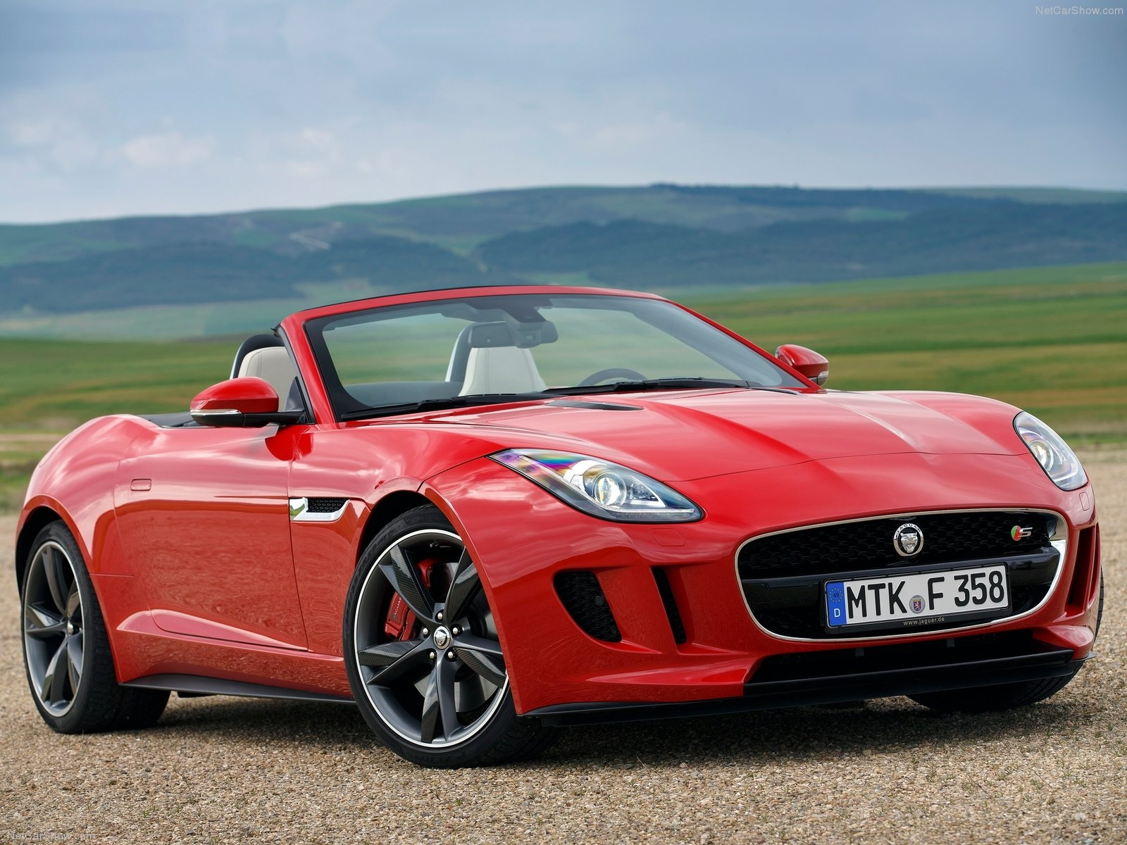 jaguar f type v8 s photos photogallery with 102 pics. Black Bedroom Furniture Sets. Home Design Ideas